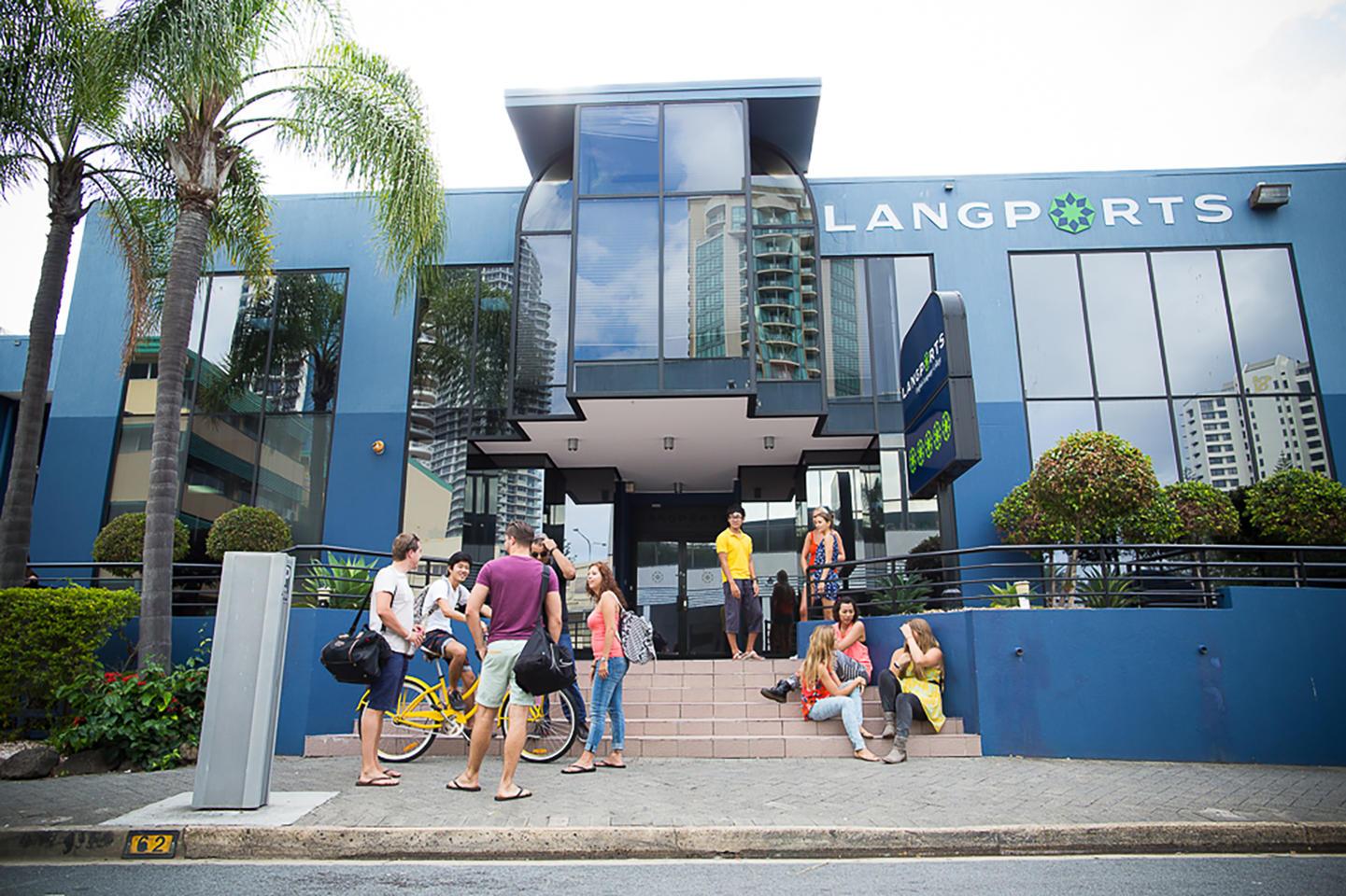 australien_gold-coast_langports_school-front-2